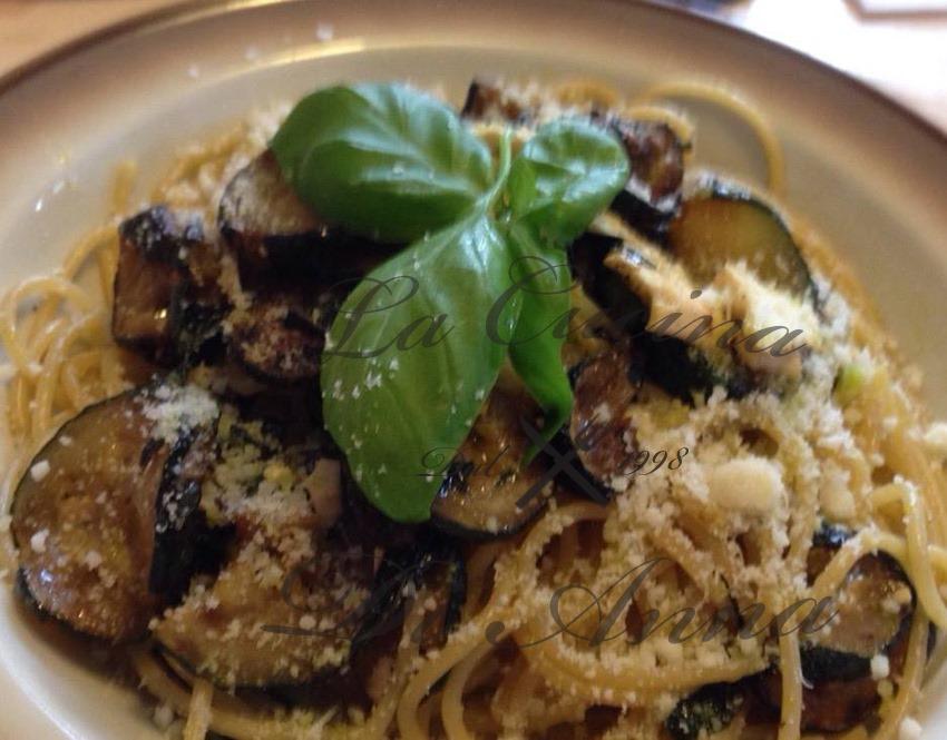 spaghetti-alle-zucchine-e-menta